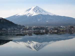 全てのお部屋から富士山と河口湖がご覧になれます