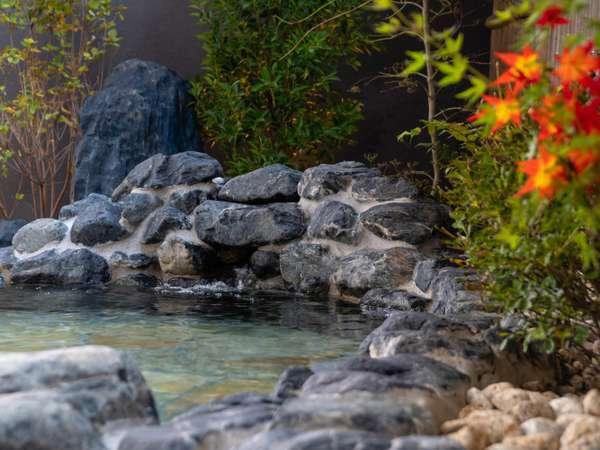 <天然温泉 睡蓮(すいれん)の湯> 効能:神経痛・筋肉痛・関節痛等に効果があるといわれています。