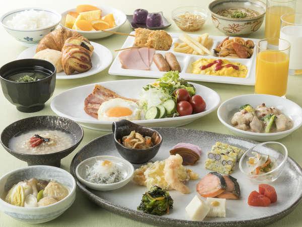 <地産地消朝食バイキング>地元料理含め、約80種以上和洋朝食バイキング(営業時間6:30~9:30)