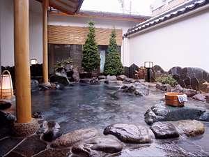 """【鹿教湯温泉 鹿乃屋旅館】日本の原風景""""里山""""がここに。美術館のある、素朴で家庭的な宿"""