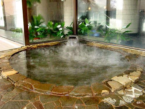 大浴場に併設されてる天然温泉露天風呂。(ナスパニューオータニ様内 無料)