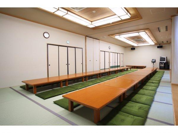 少人数から最大70名まで収容できる各宴会場もあります。