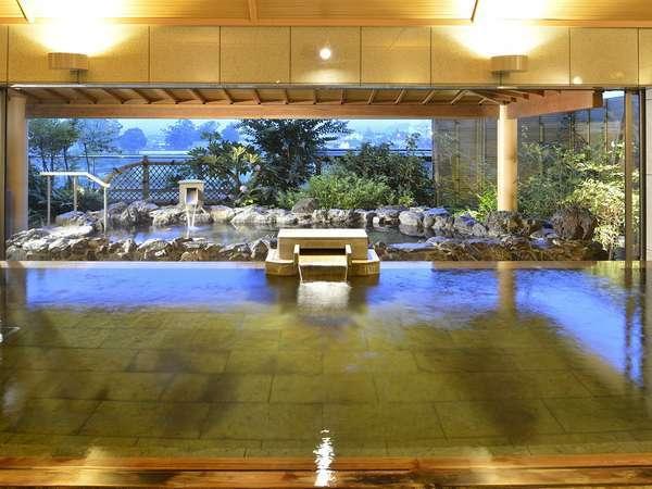 [3階 露天・大浴場「山並みの湯屋」] 数寄屋デザインの湯処で開放感あふれる湯浴み