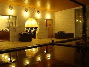 弱アルカリ性ナトリウム塩化物泉は古代海洋温泉です。源泉100%の温熱と美容に効果がある温泉です
