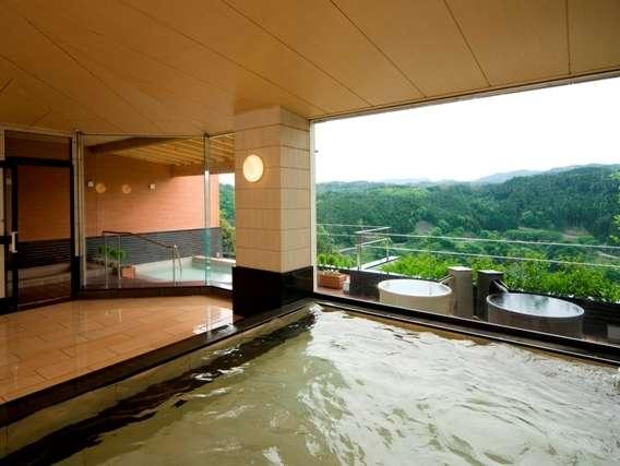 大浴場からも景色が一望できる