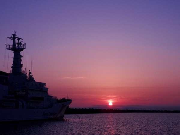 北防波堤から望む夜明け