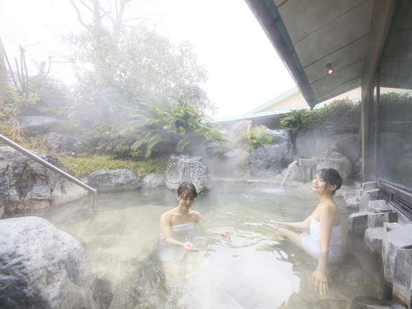 大浴場では桧風呂や露天風呂で湯三昧をお楽しみいただけます。