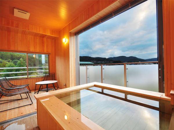 半露天風呂客室(601号室)/客室半露天風呂
