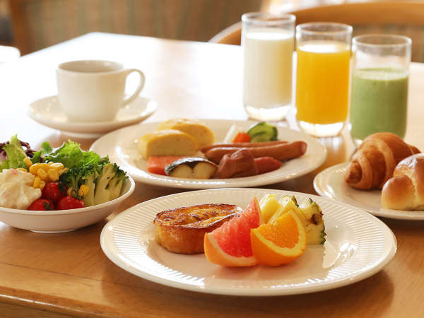 ■朝食はバイキングのご提供を見合わせております。ご宿泊のお客様にはセットメニューをご提供いたします。