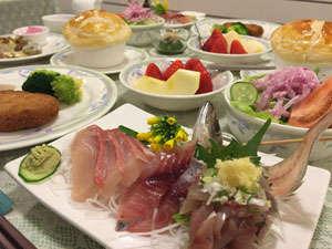 季節によって、夕食の内容は変わります。旬の食材でご用意。