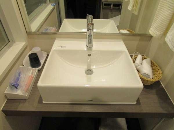 セパレートタイプの洗面台です。