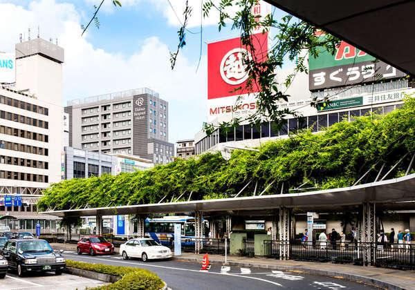 JR千葉駅東口より徒歩3分の好立地です。