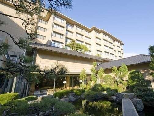 ホテル八木【四季を感じる自慢の庭園】