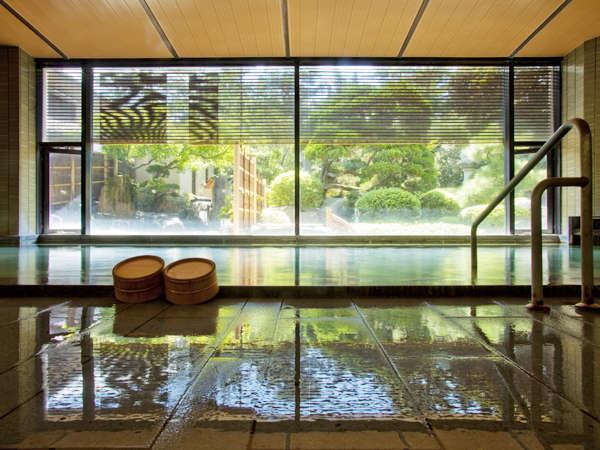 内湯、露天風呂、サウナで温泉三昧【内湯は24時間利用可能】