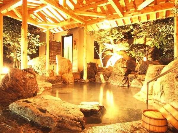 自家源泉掛け流しの天然温泉は24時間深夜も入浴可能【露天風呂のみ深夜から早朝はご入浴出来ません】