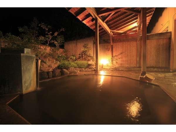 夜の露天風呂は雰囲気がとてもgood!