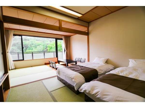 西館和室10畳+4.5畳 堀炬燵 ツインベッド付き