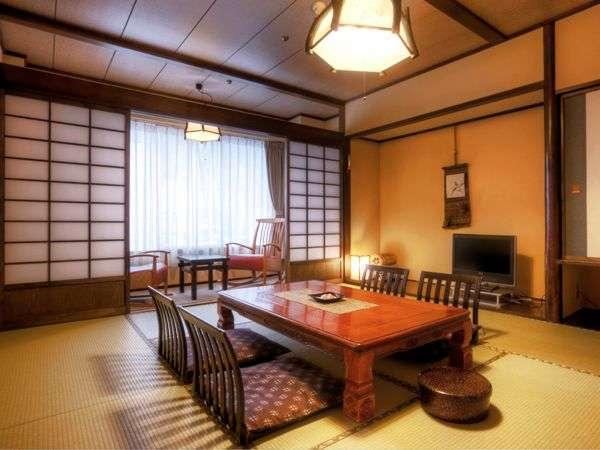 和室10畳 広縁付 【ぬくもり館】~広縁から四季を望む。小グループでのんびりと