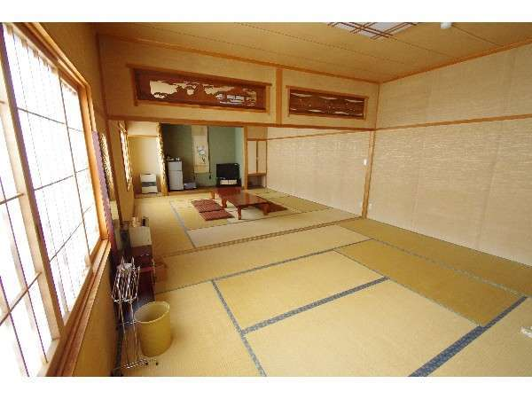 和室大部屋 こちらは別館の6名様から12名様までのお部屋です。