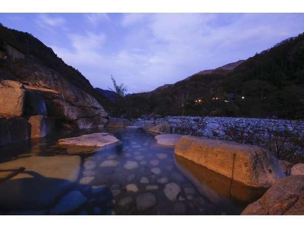 【槍見の湯 槍見舘(やりみかん)】槍ケ岳を眺む絶景7種の露天風呂が自慢の秘湯の一軒宿