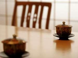 ホテル桜での緩やかなひと時は、まず、嬉野のおいしいお茶から始まります。