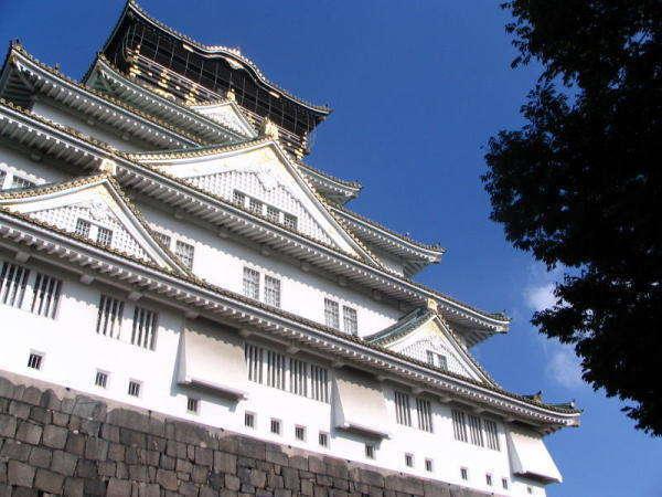 森ノ宮は大阪城公園の玄関口の1つ。大阪城ホールへはJR一駅(徒歩20分)