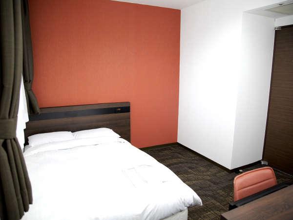 【スタンダードダブル】シモンズベッドを採用 ベッド幅(150cm)