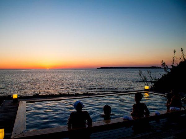 お天気が良ければ、露天風呂からも夕陽をご覧いただけます!朝・晩で男女入替あり。
