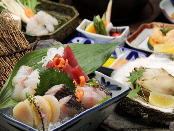 毎日伊良湖の魚市場より、その時節、最良の地魚を、当館主人自ら仕入れています