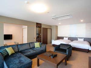 3室のみの貴重な露天風呂付きスイートルーム(和洋室)5名様までご就寝いただけます。バルコニー喫煙可