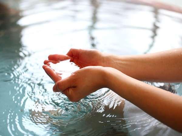 奇蹟のぬる湯。湯温38.5℃前後。加温なし源泉掛け流し温泉。