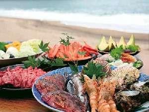 【香住 源六(げんろく)】料理のクチコミ評価の高い宿。目の前は山陰ジオ海岸、松葉ガニ料理