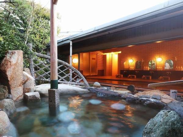 美人の湯といわれる「天橋立温泉」の露天風呂に緑を愛でながら浸かる贅沢