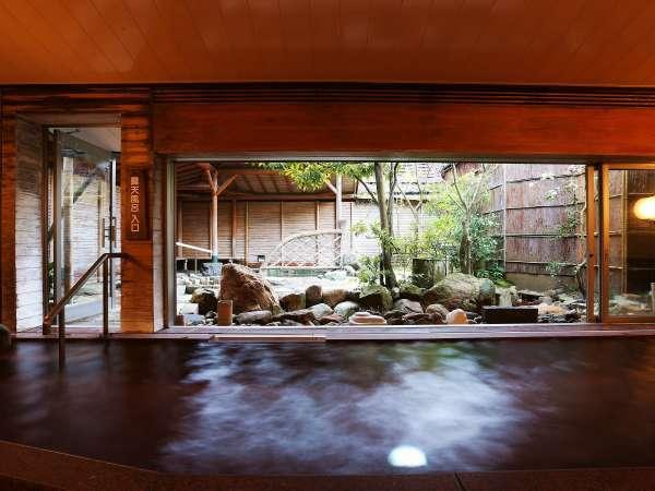 トロトロな泉質で愉しむ「天橋立温泉」の大浴場は開放感抜群