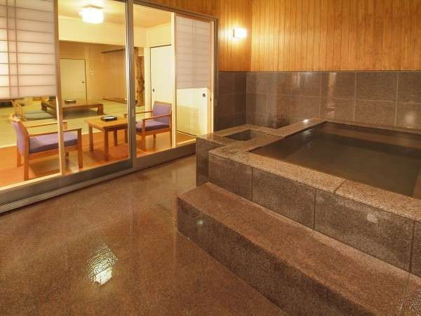 客室半露天風呂(2階客室)