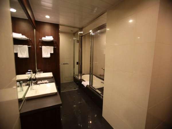 別館スイートのバスルーム