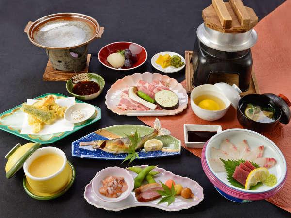*【夕食】スタンダード会席は地元ならではの食材をふんだんに使用しています♪