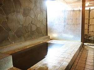 露天付の貸切専用風呂。鍵付で空いている時いつでもOK