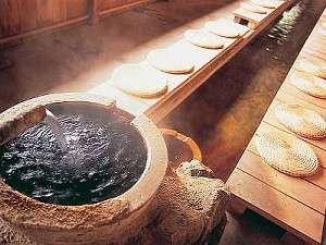 塩原温泉でも珍しい「飲泉」が出来ます。便秘に効能あり。