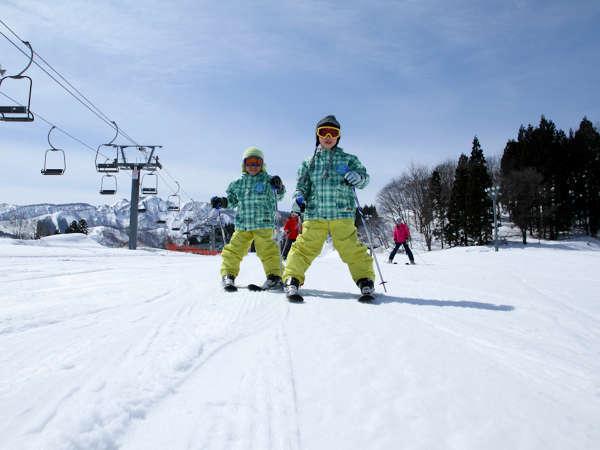 *【スキー】<NASPAスキーガーデン(12~4月頃まで/徒歩0分)>お子さまのスキーデビューにもピッタリ♪