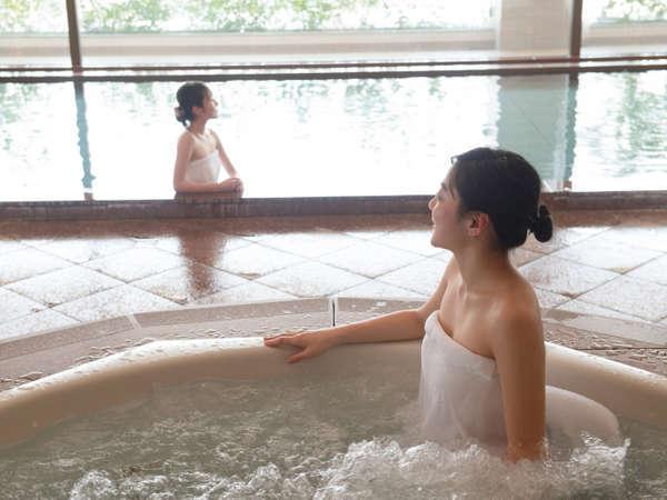 美人の湯とも言われる天然温泉は弱アルカリ性 単純泉