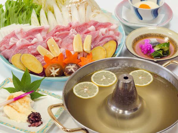 「箱根和豚もちぶた」と「箱根西麓野菜」を使ったレモンしゃぶしゃぶ
