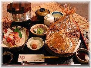 来島の幸!鯛釜飯付の夕食。ご希望のお時間に炊き上げます。天ぷら・刺身付。