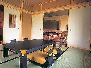 「ほのか」の和室。奥にベッドのある洋室