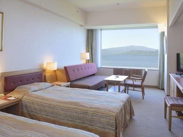 ソファーベッドの利用で3名まで宿泊可能なツインルームB