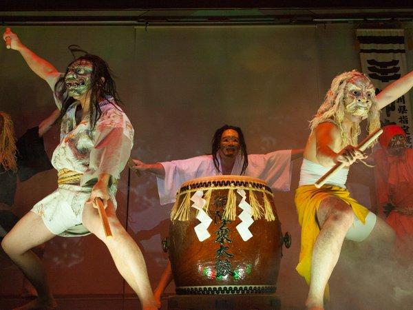 大迫力、大人気の御陣乗太鼓の実演はぜひご覧になって旅の思い出に!