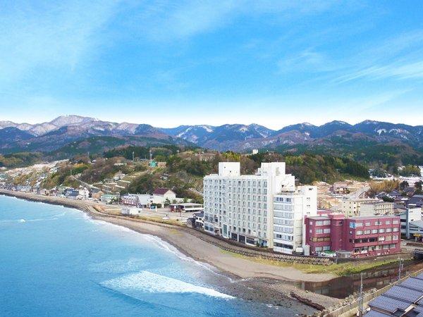 ◆男性的で壮大な外海の日本海が、高州園の庭園です。ロビー・お部屋・お風呂からもご覧いただけます。