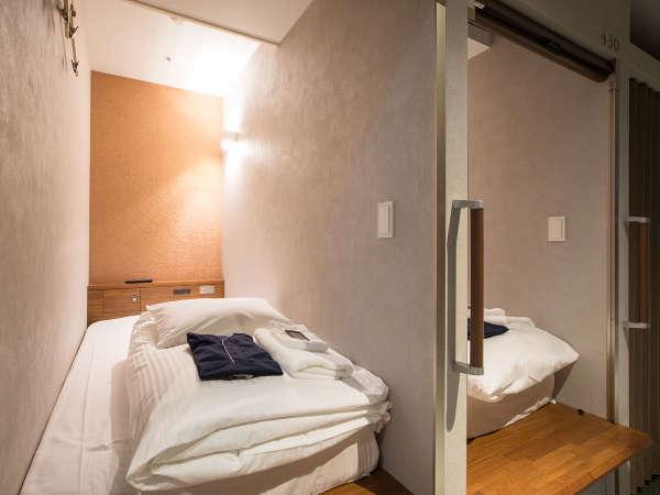 【◆女性限定◆ノーマルキャビン】有名ホテルでも使用しているシモンズのベッドを設置。