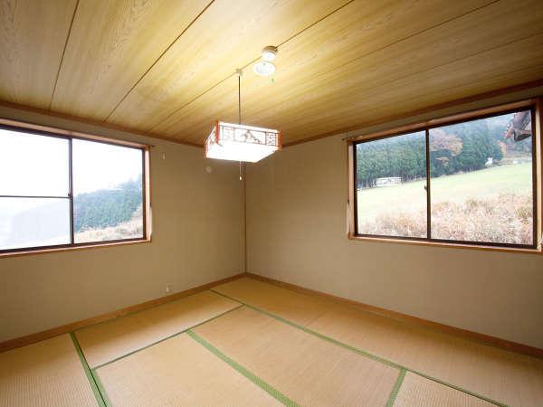 【客室一例】シンプルな畳のお部屋になります。