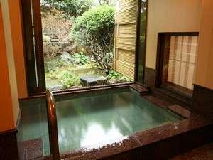 「椿苑」106号室・和室10畳+4.5畳堀こたつと露天風呂付客室